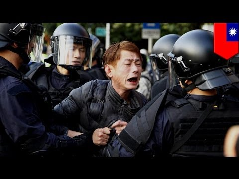 Riot police evict anti-China protesters in Taiwan. Will this embolden or break them?