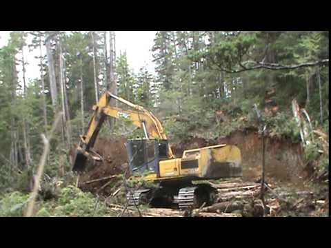 Shushartie River, BC, Deere 3554 logging roadbuilding