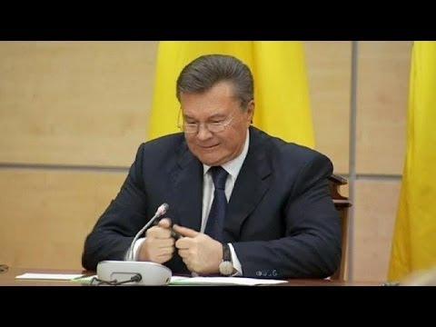 Víktor Yanukóvich se desahoga con un bolígrafo