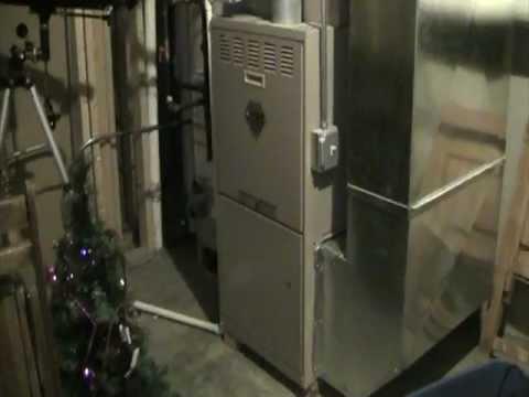 York Diamond 80 Gas Furnace Running In Cool Mode Youtube