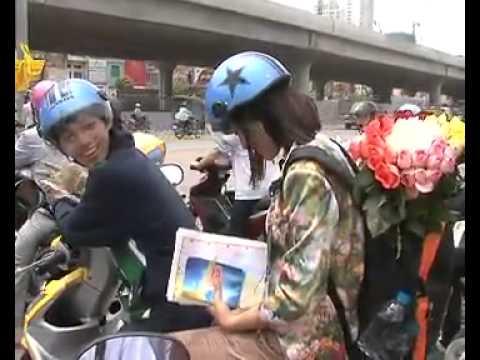 12 Cá Tính Lên Đường Xuyên Việt Vượt Dặm Cùng Sao 2012 _Tập 1 _Hà Nội