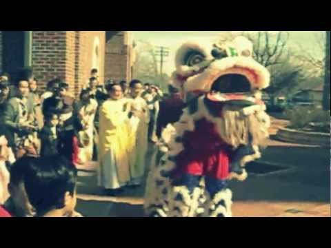 Chua Giac Quang Mua lan/lion dance at church 2013