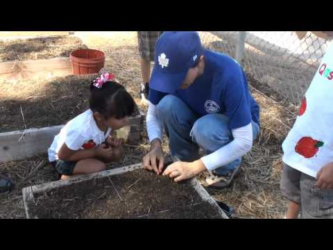 El Centro preschool learns gardening lesson