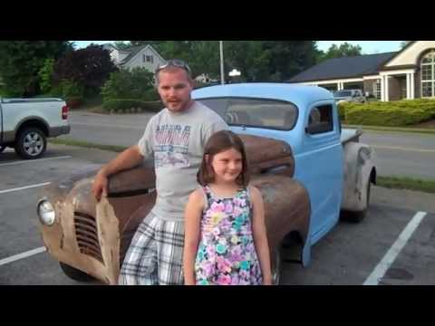 Southgate Mall Cruise In  Letichfield, KY June 6, 2014
