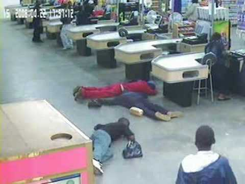 South African Armed Robbery (Hi-Res CCTV)