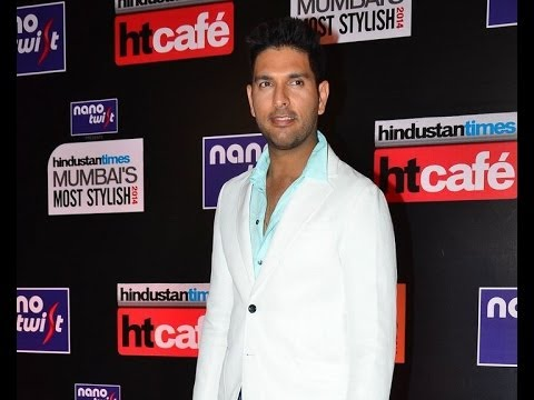 Bollywood supports Yuvraj Singh - IANS India Videos