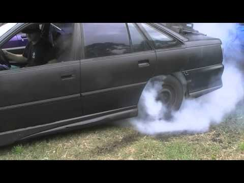 How to Build A Burnout Car - VP Commodore V6.