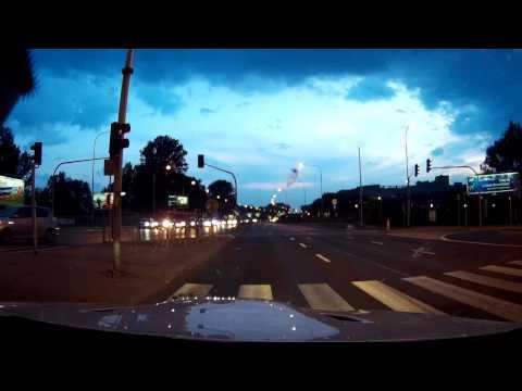 فيديو : BMW M3 E92 تدخل في سباق جنوني ضد 3 دراجات نارية فائقة في بولندا