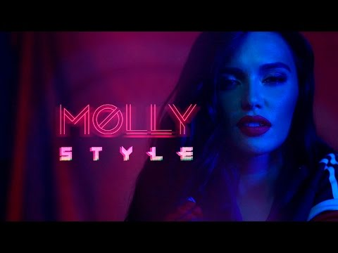 MOLLY — STYLE