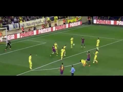 Dani Alves Picks Up and Eats Banana Thrown By Racist Fan before Corner Kick 27.04.2014