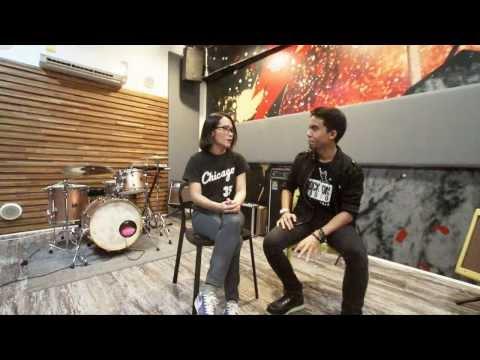 Rock N' Learn : ปฐมฤกษ์กับมือกลองหญิง ''จุ-จุรีพร'' Abuse the Youth [Ep.1/2]