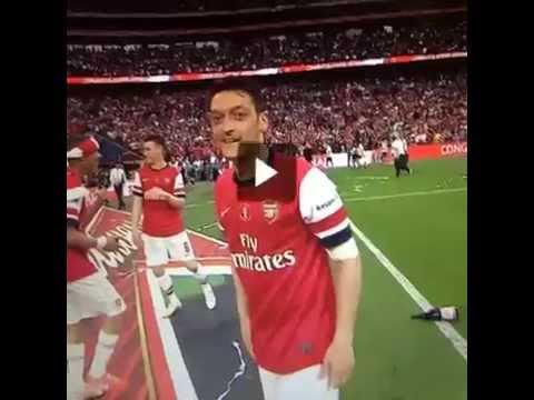 Ozil celebrating - FA Cup 2014