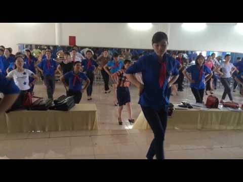 Hướng dẫn múa bài Mái trường nơi học bao điều hay