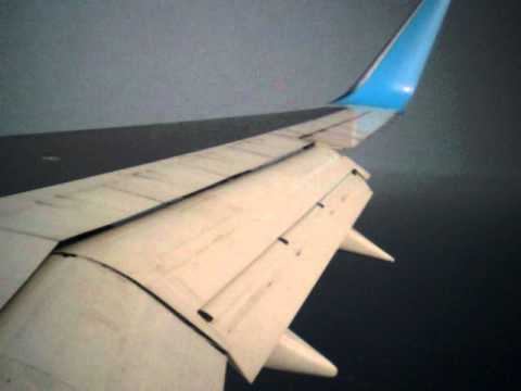 Thomson Airways Boeing 757 landing at Lanzarote Arrecife airport