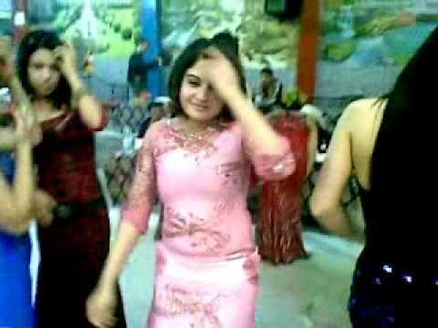 رقص ياعلايه - نوريه موووووووت.- banat el kabari choufa fdiha arab 2010