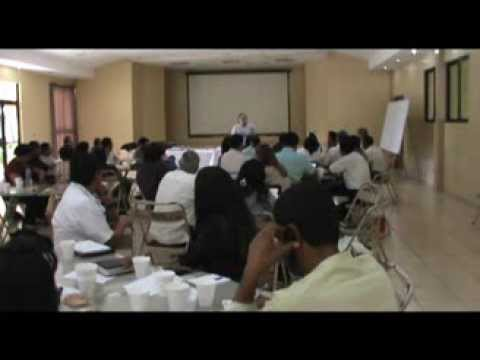 Cáritas promueve conversatorio entre parroquias en la línea de prevención de violencia juvenil.