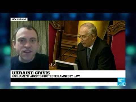 Ukraine: Parliament adopts protester amnesty law