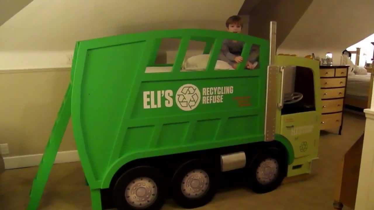 Eli's Garbage Truck Bed - YouTube