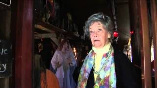 The Conjuring 'The Real Lorraine Warren' Featurette
