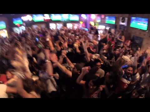 World Cup: Jermaine Jones goal reaction USA vs Portugal Lucky's Pub Houston, TX