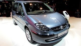 2013 Citroen C8 Exclusive - Exterior and Interior Walkaround - 2012 Paris Auto Show