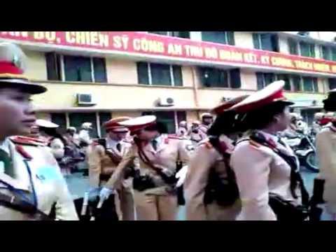Nữ Cảnh sát giao thông trước giờ ra quân