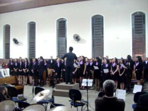 Conjunto de Jovens -Assembleia de Deus M.Madureira em Itapeva SP. Hino (Três Jovens )