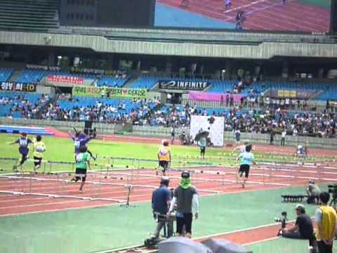 [Eunhyuk fancam] 110827 Idol Sports - Hurdle Race First Round