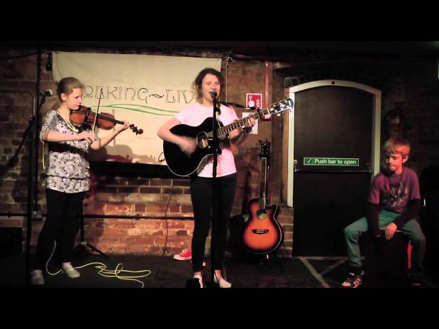 Aimée - The Argument - Folking Live [Artree Music]
