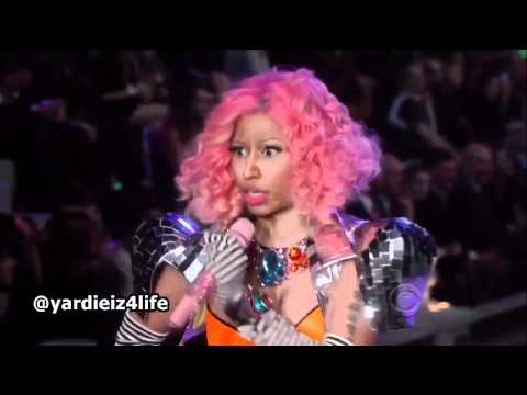 Nicki Minaj - Super Bass (Victoria's Secret Show 2011) (Live)