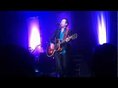 Gary Allan - It Ain't the Whiskey (Acoustic)