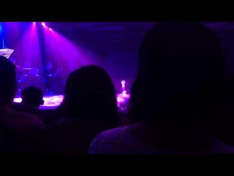 Em Phải Làm Sao - Mỹ Tâm (Live Acoustic 2013)
