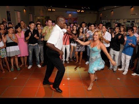 Pareja de baile y animación (Tel 02477-15652002)