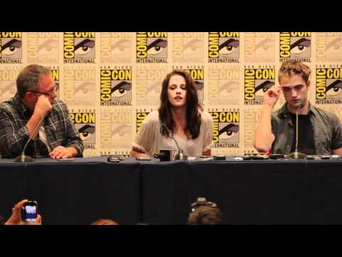Breaking Dawn Comic Con Panel #1 - Robert Pattinson, Kristen Stewart, Taylor Lautner