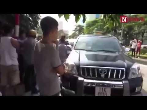 Hai Taxi Rượt Đuổi, Tấn Công Nhau Như Phim Hành Động Trên Phố Hà Nội