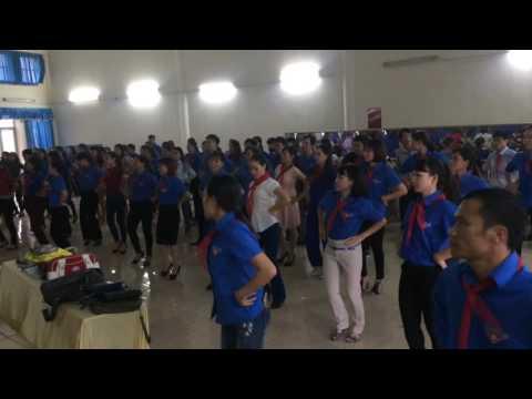 Bài múa Mái trường nơi học bao điều hay