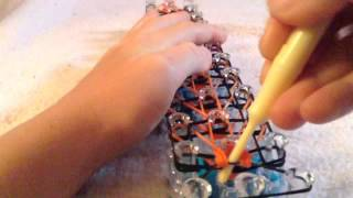 How To Make The New Tiger Strip Rainbow Loom Rubber Band