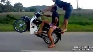 Aksi Stunt Berbahaya Remaja Malaysia