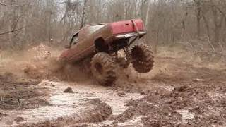 MUD TRUCKS BOUNTY HOLE CRASH!! At Red River Mud Bog