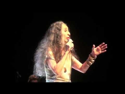 Maria Bethânia: O raio de Iansã sou eu...
