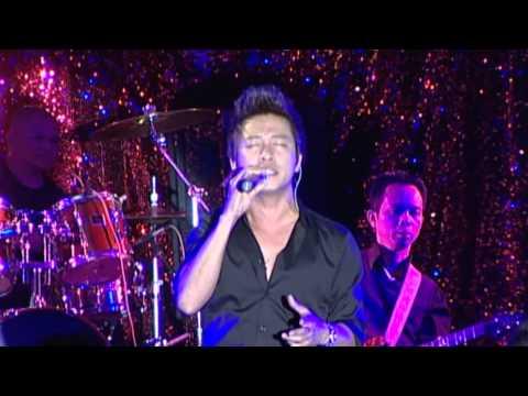 TUAN HUNG - Trai Tim Ben Le  (Live Show)