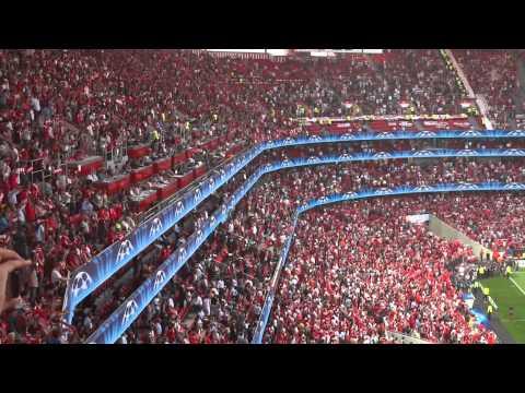 Hình ảnh trong video Hino Do Benfica (Benfica x Manchester)