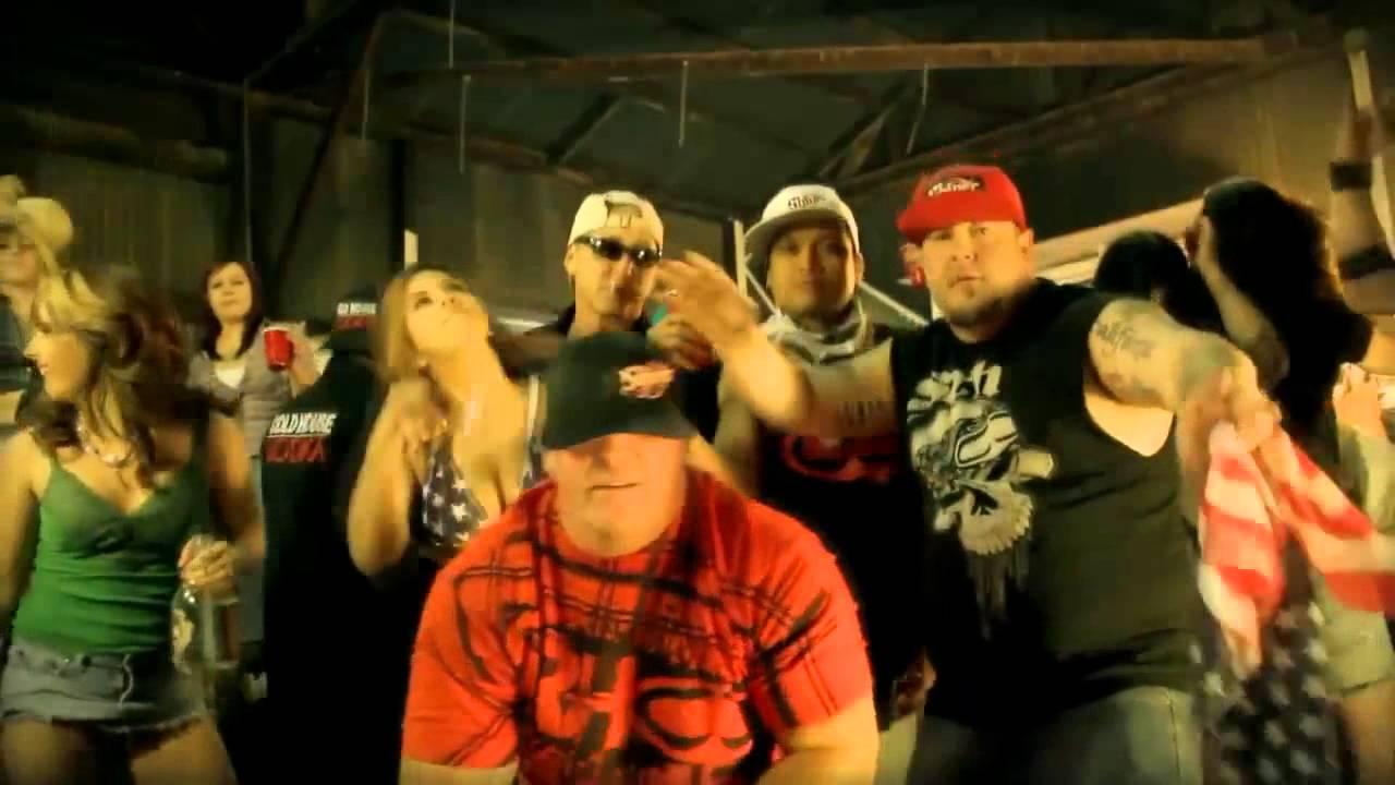 Moonshine Bandits Get Loose - YouTube