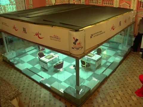 Szklany objekt - szachownica