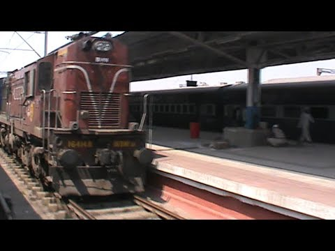 Arriving at Kolkata Chitpur Terminal, and meeting soul-mate: WAP-4 Durgiana Superfast on-board