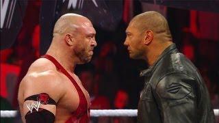 WWE RAW 8/26/13 Batista Returns And Attack Ryback ( WWE 13