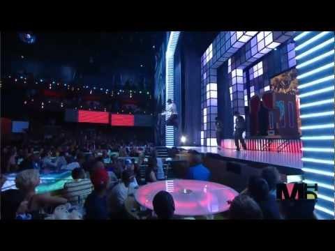 Chris Brown & Rihanna - Wall To Wall + Umbrella MTV VMA's (HD)
