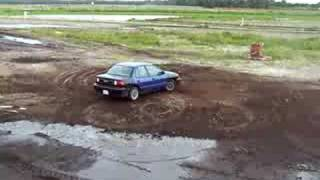 Isuzu Stylus doing reverse muddy donuts pt. 2