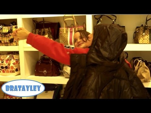 Tango Dancing in the Coach Store (WK 151.7) | Bratayley