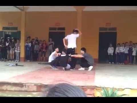 Nhảy Con bướm xuân 2015 cực hài - THPT Hùng An